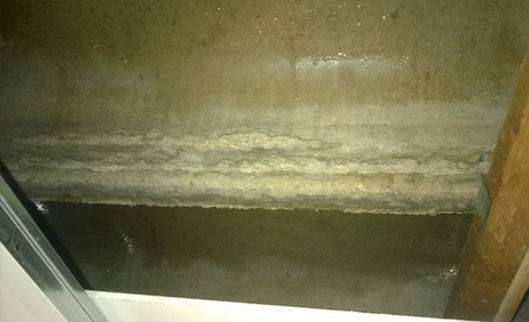 Ysgol - Y - Gadar, Dolgellau, North Wales - Condensation