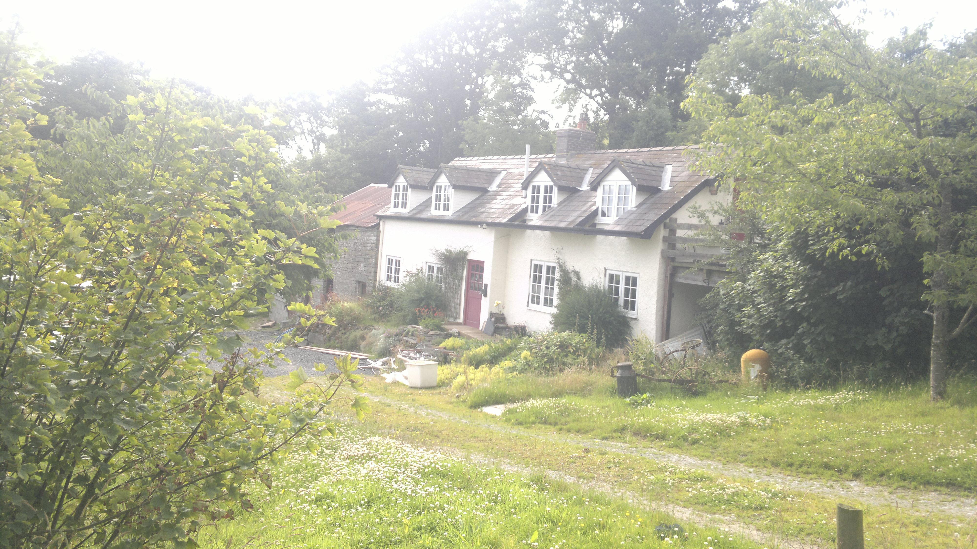 Rhayader, Llandrindod wells, Wales - Walls & Roof